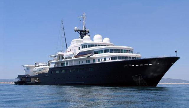 Le Grand Bleu Charter Yacht