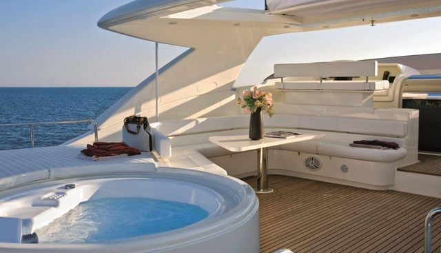 Maxi Beer Charter Yacht - 3