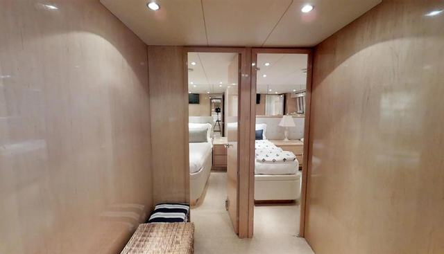 92' Hatteras Charter Yacht - 4