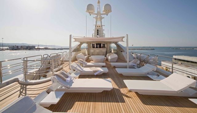 Light Holic Charter Yacht - 3