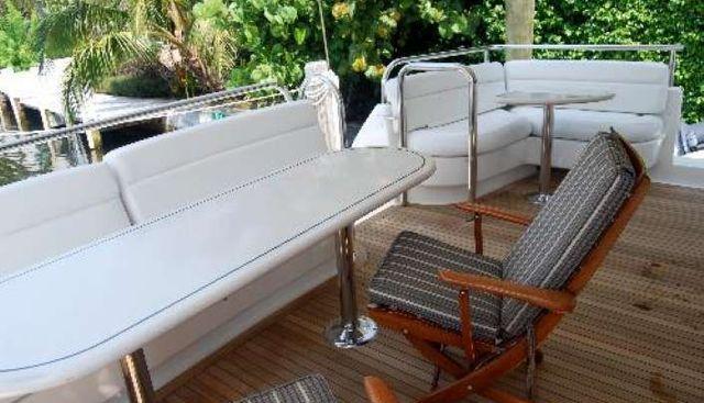 B Hive Charter Yacht - 3