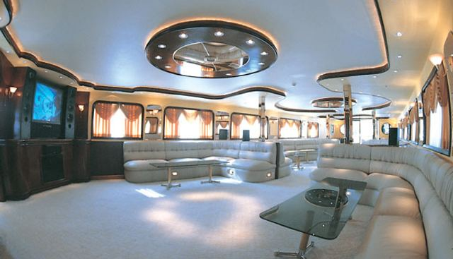 Golden Head Charter Yacht - 6