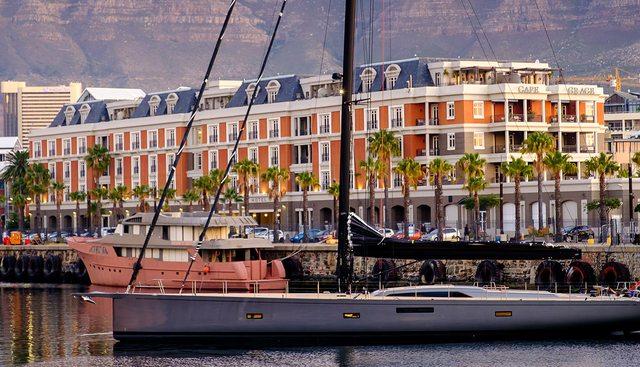 Sorceress Charter Yacht