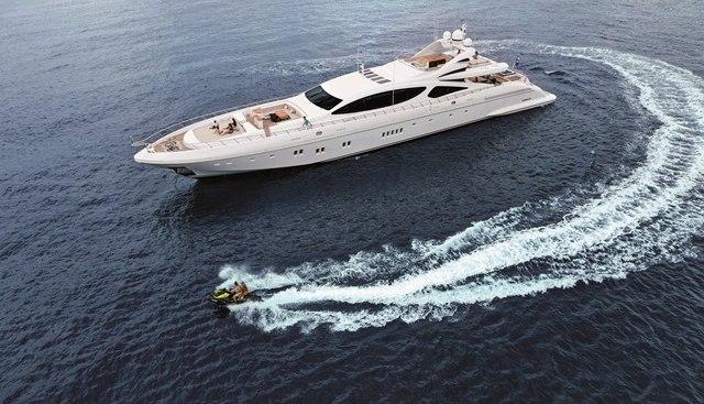 Miss Moneypenny V Charter Yacht - 4