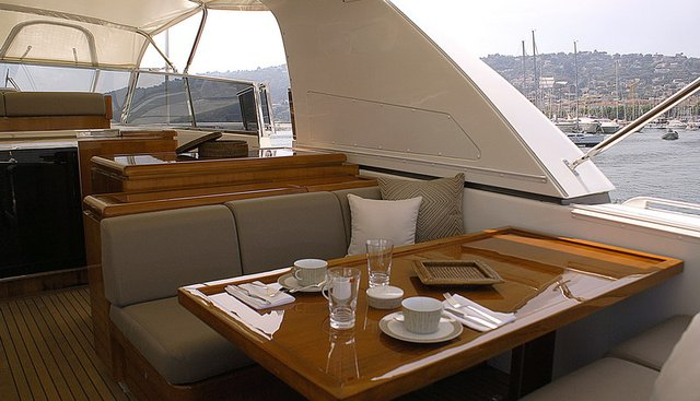 Take Off Charter Yacht - 4