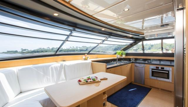 Porthos Sans Abri Charter Yacht - 8