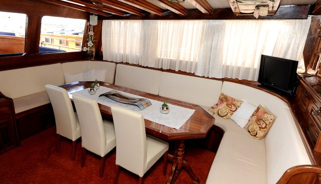 Perla Charter Yacht - 6