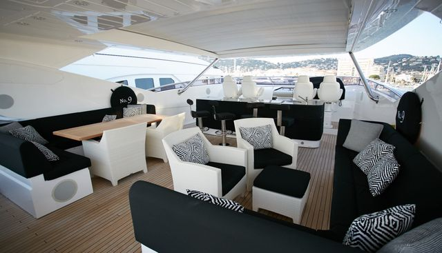 No.9 of London Charter Yacht - 4