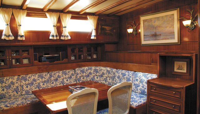 Queen Of Peace Charter Yacht - 3
