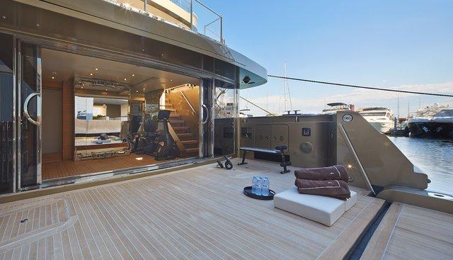 Apries W Charter Yacht - 5