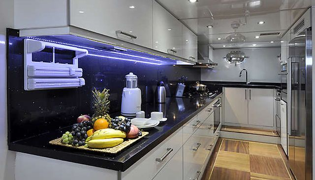 Dolce Mare Charter Yacht - 7