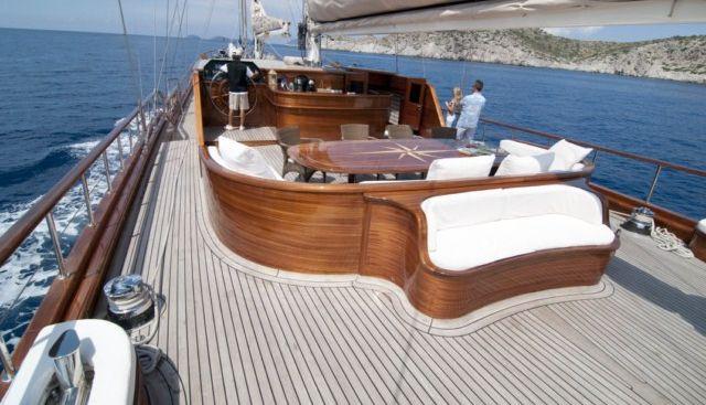 Carpe Diem IV Charter Yacht - 3