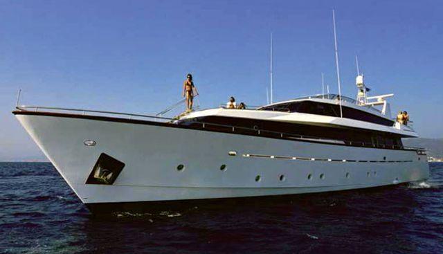 Nomi Charter Yacht
