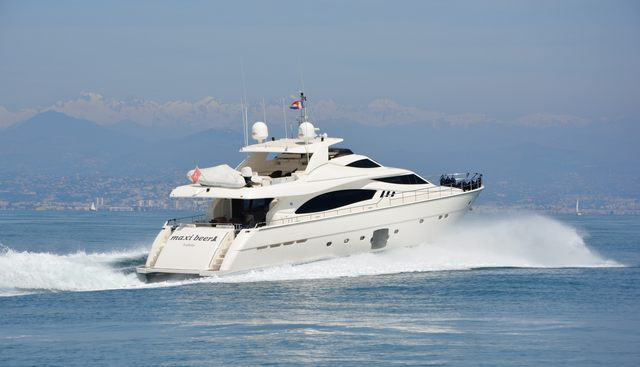 Maxi Beer Charter Yacht - 5