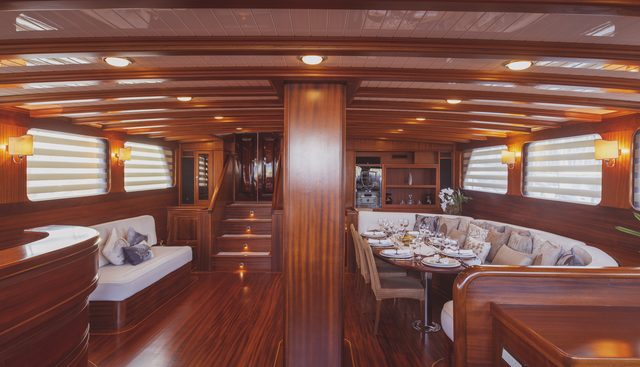 Hic Salta Charter Yacht - 6