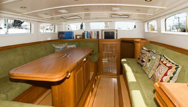 Velacarina Charter Yacht - 8