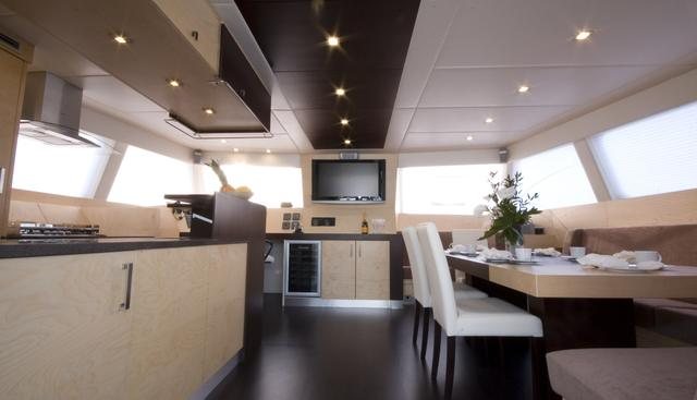 Depende IV Charter Yacht - 6