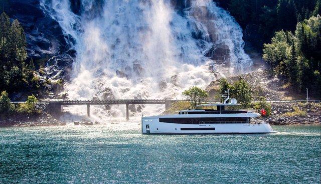 Kamino Charter Yacht - 5