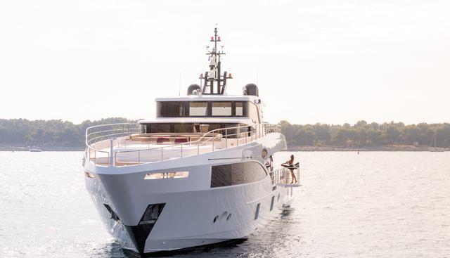 Isla Charter Yacht - 2