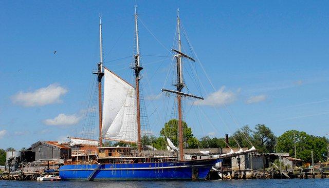 Peacemaker Charter Yacht - 4
