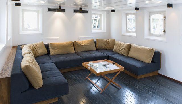 Navigator Charter Yacht - 4