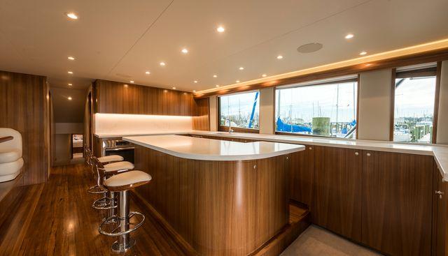 18 Reeler Charter Yacht - 8