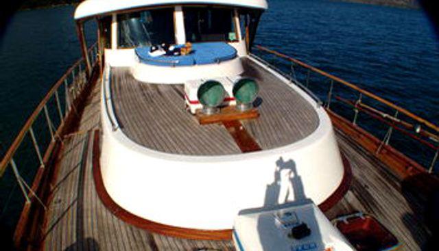 Shangri - La Charter Yacht - 2