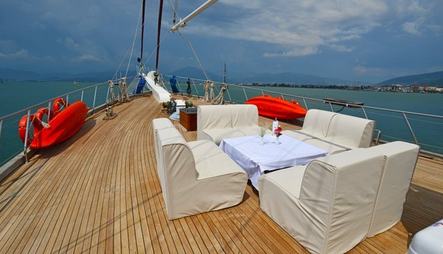 Holiday X Charter Yacht - 7