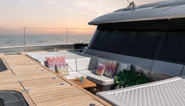 E Charter Yacht - 2