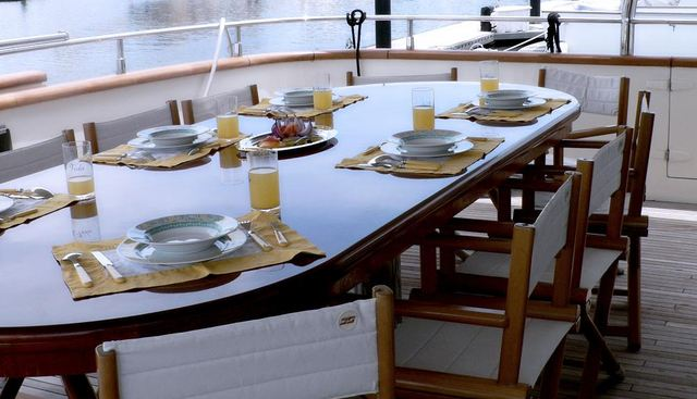 Mi Vida Charter Yacht - 2