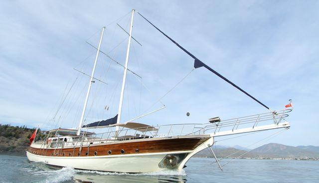 Queen Lila Charter Yacht