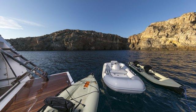 Salina Charter Yacht - 2