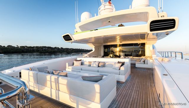 Beachouse Charter Yacht - 4