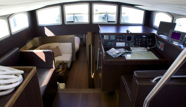 Vintage Charter Yacht - 7