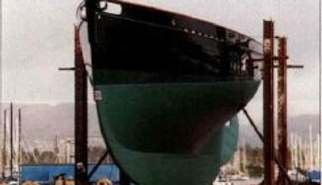 Bloodhound Charter Yacht - 4