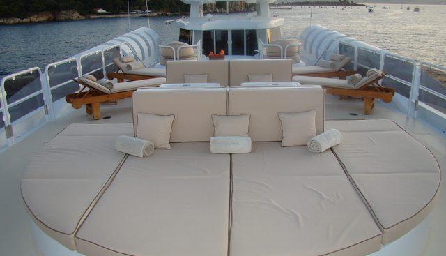 Lady A Charter Yacht - 2