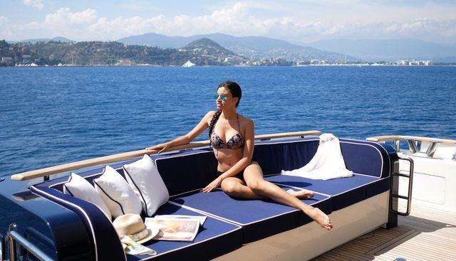Lady Amanda Charter Yacht - 4