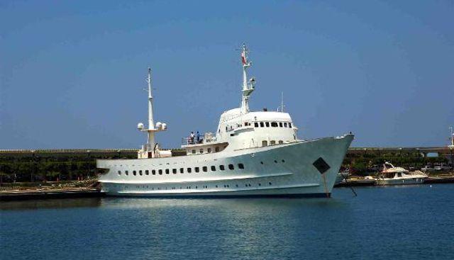 Blue Dawn Charter Yacht