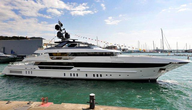 KD Charter Yacht