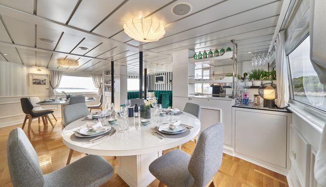 La Perla Charter Yacht - 8