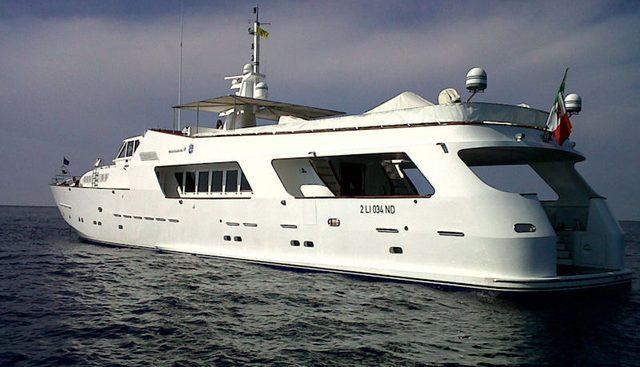 El Lobo Charter Yacht