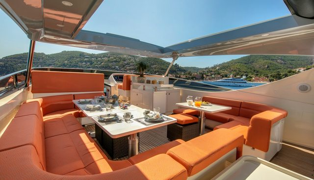 Y42 Charter Yacht - 4