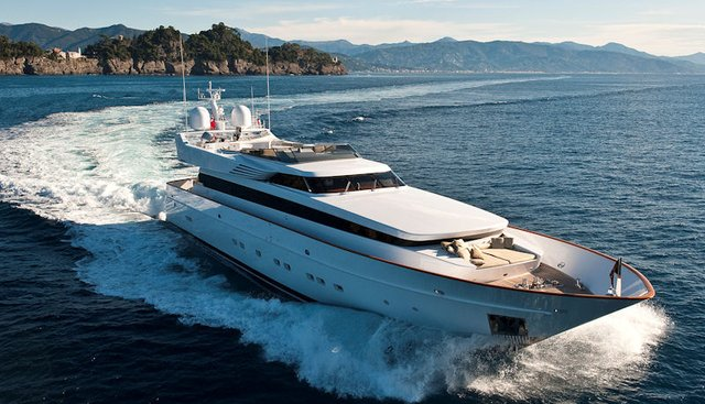 Lunacea Charter Yacht - 2