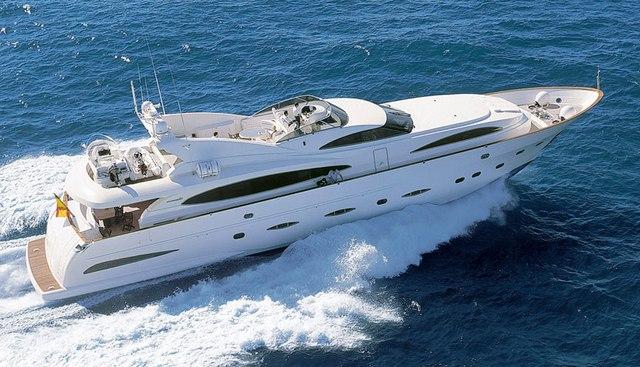 D Plis-Play Charter Yacht