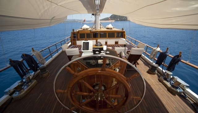 Mojo Charter Yacht - 5
