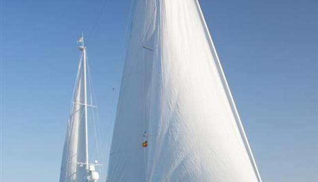 Keewaydin Charter Yacht - 7