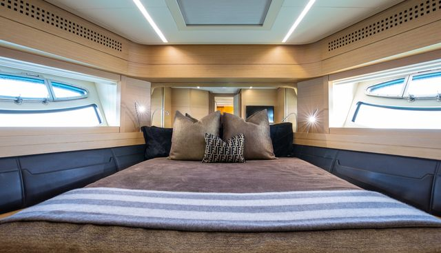 Milagros Charter Yacht - 4
