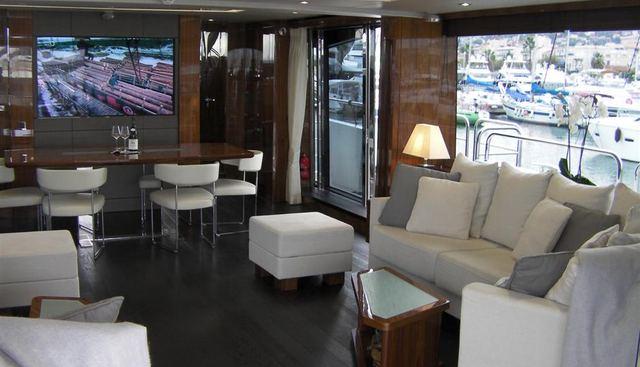 M Charter Yacht - 4