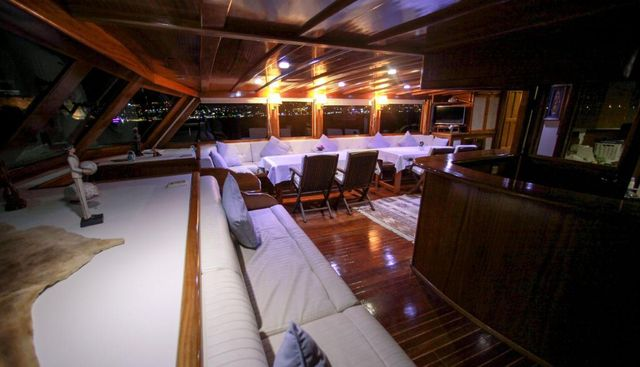 White Swan Charter Yacht - 8