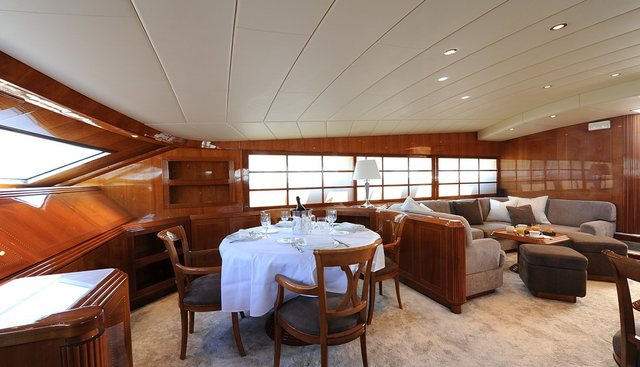 The Collection Charter Yacht - 8